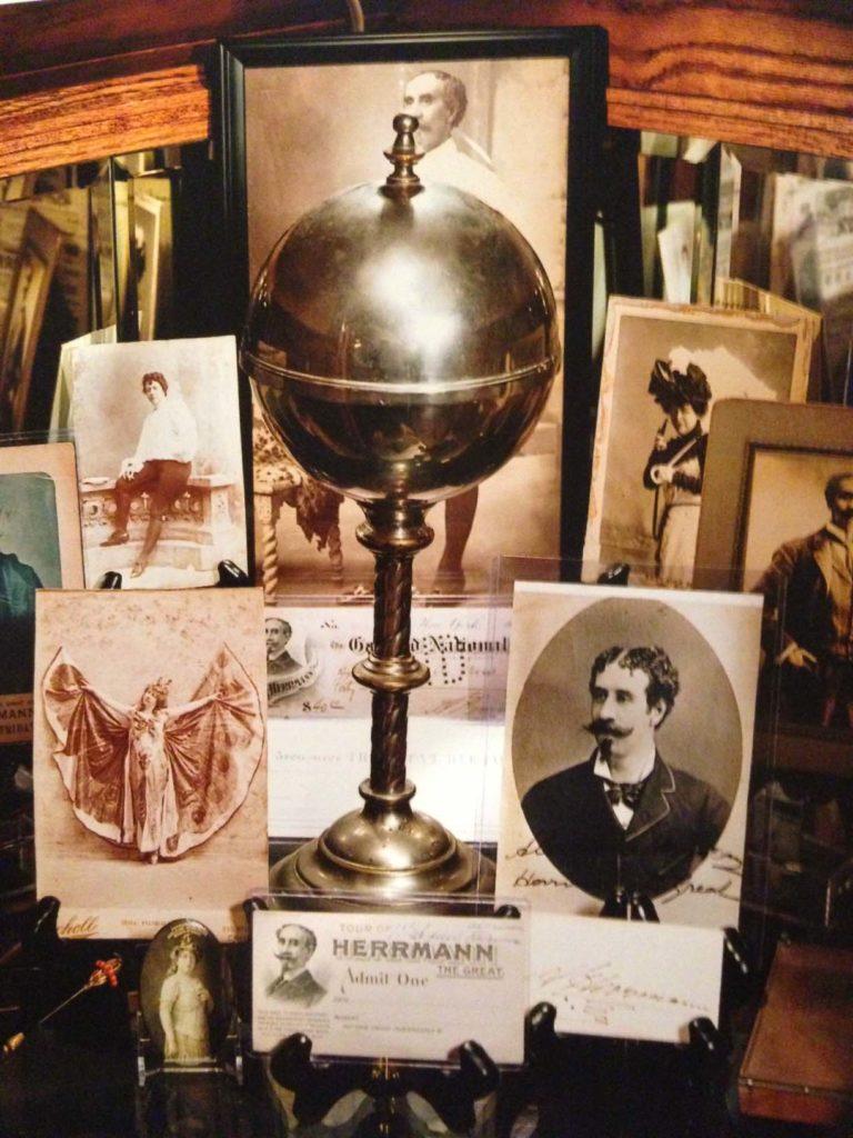 AlexanderHerrmann'sCannonBall Vase