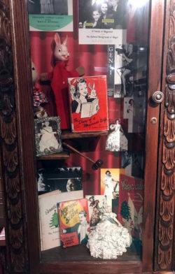 The Diary of a Magician's Handbook - Magic Castle